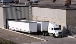Commercial truck loading and unloading service